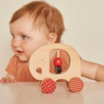 Petit Collage 100% organikus fejlesztő fa gurulós játék, elefánt