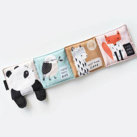 Wee Gallery organikus textil babakönyv - Kiváncsi Panda